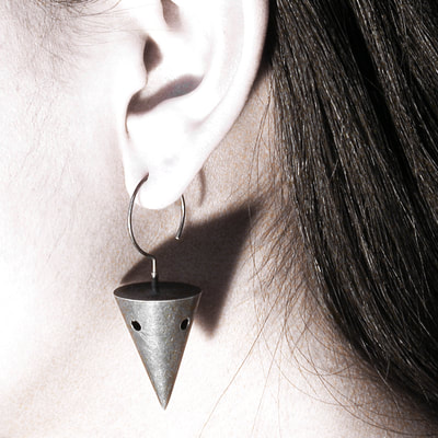 small cone earrings in black
